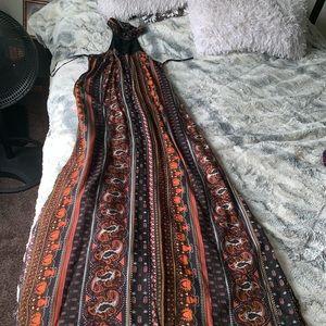 Fall maxi dress with 2 sided leg slit